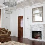 дизайн комнаты с камином классический стиль