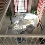 дизайн гостиной в двухэтажном жилом домн